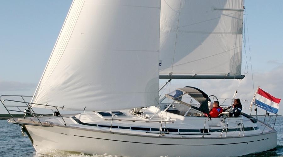 C-Yacht_Cruising_Offshore