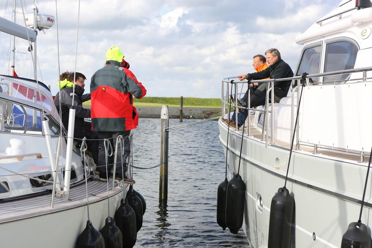 Vergleich Motorboot Segelboot Elling E4 vs. C-Yacht 12.50i 2015 IJmuiden Ngu8C8A0151